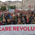Am Samstag trugen über 700 Arbeiter*innen der Pflege, Abteilungshilfe und Reinigung sowie viele solidarische Aktivist*innen ihren Protest gegen die herrschenden Zustände im Gesundheitsbereich auf die Straße. Die CARE Revolution Wien, […]