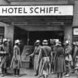 Die Zwischenkriegszeit war eine Zeit der wirtschaftlichen Krise und des aufsteigenden Faschismus. Zuerst in Italien und später in Deutschland siegte der Faschismus gegen die Arbeiter*innenbewegung und errichtete eine Terrorherrschaft, anfangs […]