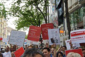 Gemeinsamer Flashmob von CARE Revolution Wien und GDG-HG 2