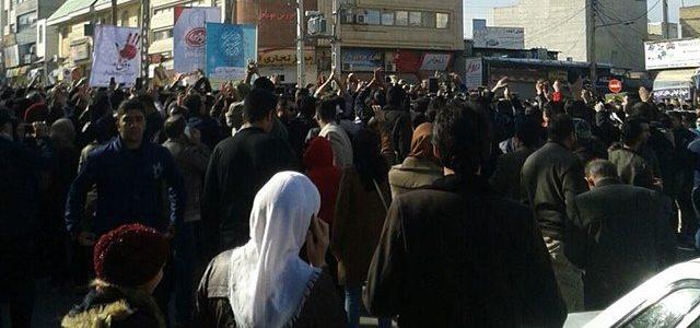 """""""Brot, Arbeit, Freiheit!"""" Seit 28. Dezember 2017 sammelt sich im Iran eine neue Bewegung aus Lohnabhängigen, der Armut, der Jugend, verarmter Schichten des Kleinbürger*innentums gegen die Diktatur der Mullahs. Ausgehend […]"""