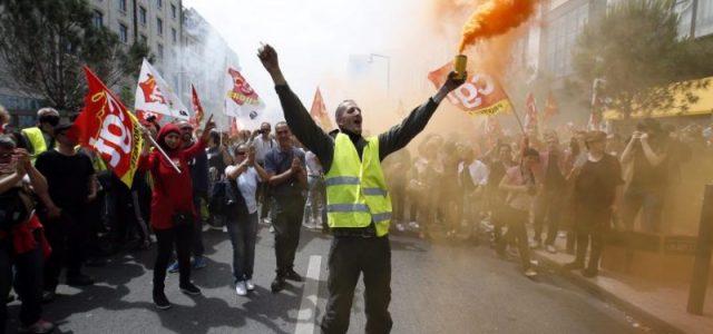 Am 22. März fanden Streiks und Demonstrationen in ganz Frankreich statt. Sie wurden von den meisten Gewerkschaften des öffentlichen Diensts, die das Eisenbahn-, Schul- und Krankenhauspersonal, Beamt*innen, Fluglots*innen und Pariser […]