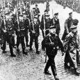 Für das deutsche Bürger*innentum bildet die Novemberrevolution von Beginn an eine zwiespältige Angelegenheit, offenbart sie doch, dass Krieg, Militarismus und Monarchie gegen es beendet werden mussten. Es war eine, wenn […]