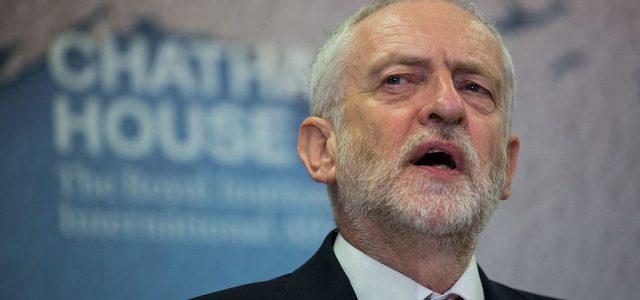 Die krachende Niederlage für die Labour-Partei durch Boris Johnson ist ein bitterer Tag für Millionen von klassenbewussten ArbeiterInnen und die meisten jungen Menschen. Mit 365 Sitzen im Unterhaus verfügt der […]