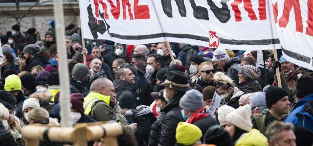 Erschreckende Zahlen in der neuen Antisemitismusstudie: Die Verbreitung von antisemitischen Vorurteilen ist weiter sehr hoch. 26 % der Österreicher*innen glauben, dass Jüd*innen die Welt beherrschen, 11 % dass sie zu […]