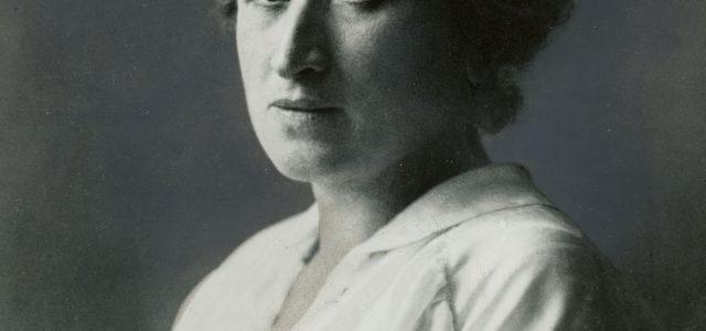 In der Nacht vom 15. zum 16. Januar 1919 wurden Karl Liebknecht und Rosa Luxemburg – heroische Vorkämpfer*innen und führende Köpfe der Revolution – bestialisch ermordet. Der deutsche Imperialismus zeigte […]