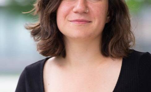 Isabel Frey ist eine jiddische Sängerin und Aktivistin bei LINKS aus Wien. Spezialisiert auf jiddische Revolutions- und Widerstandslieder möchte sie die Tradition des linken jüdischen Aktivismus wiederbeleben und mit modernen […]