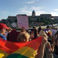 Gesetze, die massive Verschlechterungen für LGBTIQ Personen bedeuten, sind unter der Regierung Viktor Orbáns keine Seltenheit. Mitte Juni ging ein neues Gesetz durch das ungarische Parlament. Ursprünglich drehte sich der […]